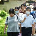 被國五收假車潮嚇壞!教授曝東亞疫情數據示警:我們真有那麼穩?