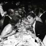 戰後巴黎,街頭咖啡館門口的女子、地鐵月台候車的乘客……攝影記者鏡頭下的歐洲浪漫之都