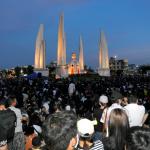 「為民主施咒!」穿巫師長袍、諷刺官員是「食稅人」 泰國年輕族群運用《哈利波特》元素創意抗爭