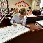 中美關係新裂縫:美國認定孔子學院為「外國使團」,與中國官媒同等待遇