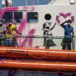 歐洲人道危機》400難民滯留地中海苦盼上岸,國際移民組織:船已超負荷,不可再拖延!