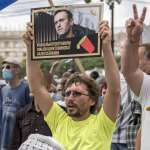俄羅斯遠東反政府示威延燒,1萬人上街抗議克里姆林宮迫害反對派