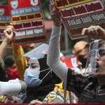 印尼全國大罷工聲討惡法!抗爭者宣稱新法侵害勞權 警方出動水炮車、催淚瓦斯強力鎮壓