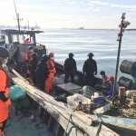 中國漁船越界金門捕撈還蛇行拒檢 海巡特勤押回1船3人