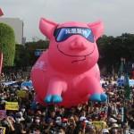 風評:秋鬥人民上街頭,蔡英文總統羞愧嗎?