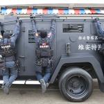 12下單槓挑戰 警政署派出他們全裝拉單槓 還曝光全國唯一輪式裝甲車