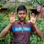 仰賴指紋辨識身分的數位時代 孟加拉這家族男性卻沒有指紋