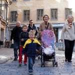多國出現人口負成長窘境,為何瑞典仍保持生育率前段班?從這些小細節看出福利大國的用心