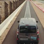 300字讀電子報》讓電動車更快普及的新招:邊開邊充電