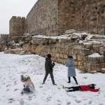 不只德州,中東也降下罕見大雪!疫苗車隊被迫中斷、難民處境堪憂