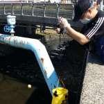 五股坑溪油脂污染事件 新北環保局查獲調理包工廠排放廢水