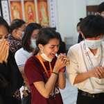 緬甸政變》她身穿「一切都會好起來」T恤卻被槍殺 民眾悼念抗暴女孩鄧家希