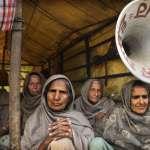 「我不會被嚇倒,我不會被收買」 女性顛覆沉默角色,站上農民抗爭最前線