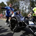 父愛感動全世界!推腦麻兒坐輪椅跑馬拉松 美國傳奇父子拍檔「賀特隊」爸爸與世長辭