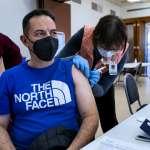 新冠疫苗好多種,美國疫情最嚴重,當地民眾如何選擇注射哪一種?