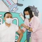 鄭文燦「搶先接種」AZ疫苗 侯友宜:不必計較誰第一個打