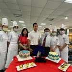 明台高中烘焙科邀親子製作母親節蛋糕  展現學習成果