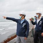 打造魅力觀光島 林欽榮視察旗津海岸線保護應急工程