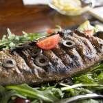 深受偏頭痛所苦?最新科學研究:攝取富含脂肪的魚搭配地中海飲食,可降低頭痛頻率