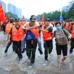 淹掉一條地鐵後,鄭州暴雨現在怎麼樣了?河南四城市又發最高預警,官媒淡化追責、民眾發起網上自救