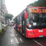 因應警戒降級高市幹線公車服務水準升級 提供交通安全宣導