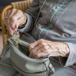 退休晚年,該如何分配資產給予子女?多數人嫌棄「股票」最麻煩,背後原因曝光