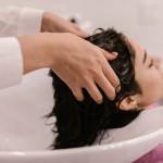 洗頭方式錯誤,會讓你的頭髮越洗越少!設計師曝6大NG習慣導致掉髮,多數人都不知道