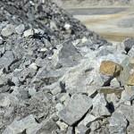 金融熱議》電動車命脈大作戰!中國最大金礦公司,跨海大買新能源戰略性物資:鋰礦