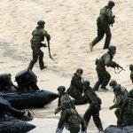 東海局勢緊張 日本自衛隊奪島訓練