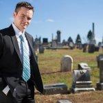 美國殯葬業達人 社群網站爆紅