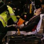 英百年劇院屋頂倒塌  80人受傷