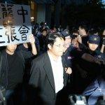 受困十小時 賴中強批:犧牲人權迎合中國