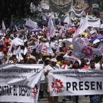 墨西哥州法允武力驅散示威 13歲男孩喪生