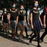 香港罷課第三天 學生走進社區爭取支持