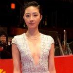 桂綸鎂《白》片演技亮眼 被讚像「狐仙」