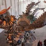 中國廢品化身巨型鳳凰 翱翔紐約