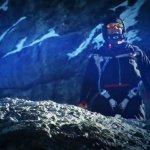 超大膽  美冒險家挑戰聖母峰滑翔跳躍