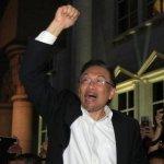 安華再遭判雞姦  抨擊政治抹黑