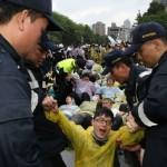 藍委王育敏修法 禁止午夜帶兒童上街頭抗爭