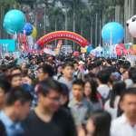 誰說不景氣?台大徵才博覽會釋2.5萬個職缺 企業祭百萬年薪搶人