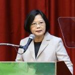 這次支持蔡英文兼任黨主席 謝長廷前後矛盾的理由是...