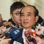 柯文哲諷「敢回去選區域立委嗎?」 王金平:我與柯建銘背景不一樣