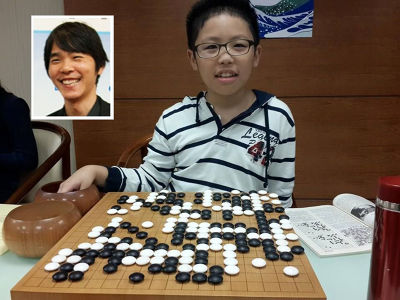 賴均輔重現李世石的比賽棋局。