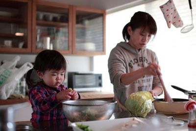 煮飯需要高度進化的腦細胞才能完成。圖片來源:yassan-yukky on flickr,https://goo.gl/O7WYYd