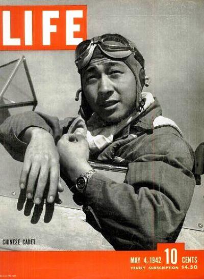 抗日期間,我國空軍先後與蘇聯、美軍,聯合執行轟炸任務,壓制日軍地面火力。