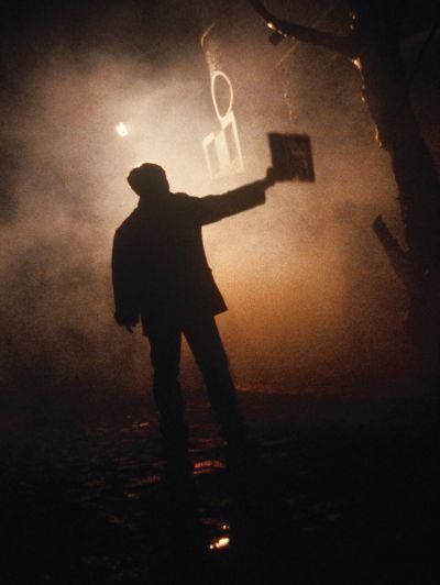 電影《紅玫瑰白玫瑰》(1994)片場的煙霧