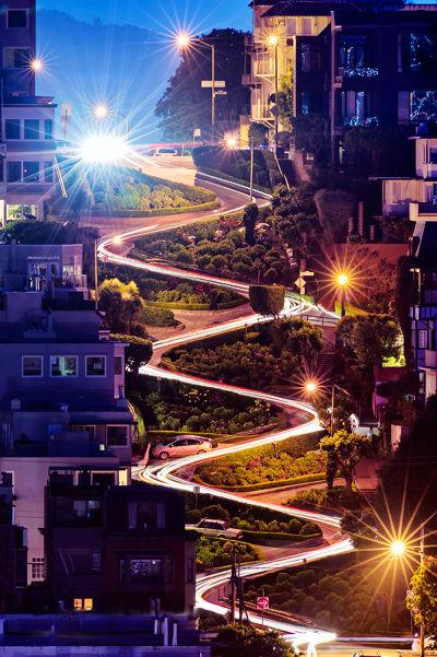 夜拍車軌的九曲花街好璀璨 圖/ David Yu@flickr