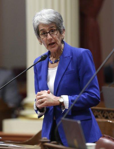 提出男女同工同酬法案的民主黨參議員傑克森。(美聯社)