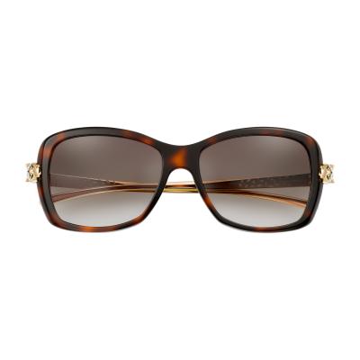 PANTHÈRE DE CARTIER美洲豹太陽眼鏡,呈現卡地亞的經典設計。(圖/Cartier提供)