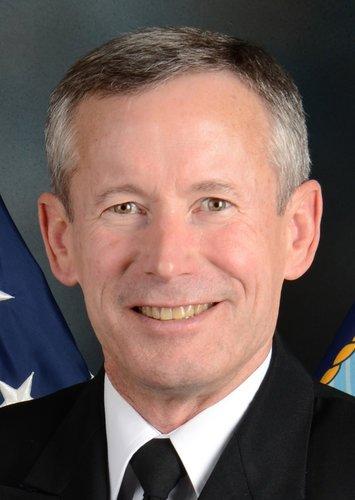 海軍情報總監布蘭奇中將,在收賄案爆發後遭到撤換職務。